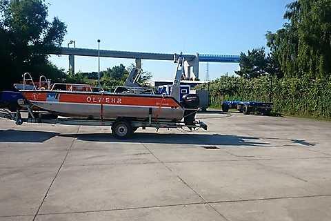 Boot des Havariekommandos - Ölwehr-Stützpunkt Stralsund