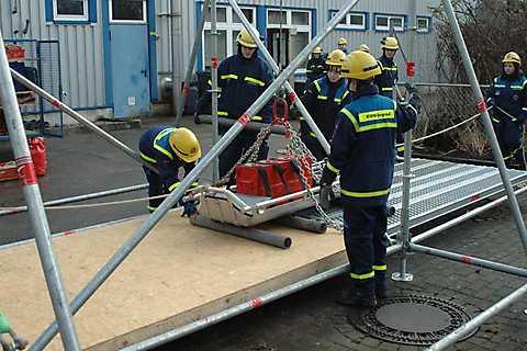 Spielend Helfen lernen bei der THW-Jugendgruppe in Stralsund